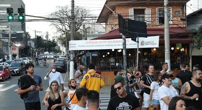São Paulo interdita 75 bares nos primeiros dias de reabertura noturna
