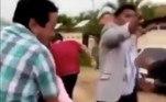 Até o momento não foi informado o destino final dos envolvidos na confusãoNa Cidade do México, uma mulher entrou no casamento do ex e precisou ser contida. Veja a seguir esse caso chocante!