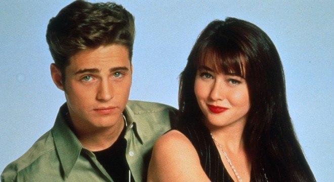 Jason Priestley e Shannen Doherty eram os gêmeos Brendon e Brenda