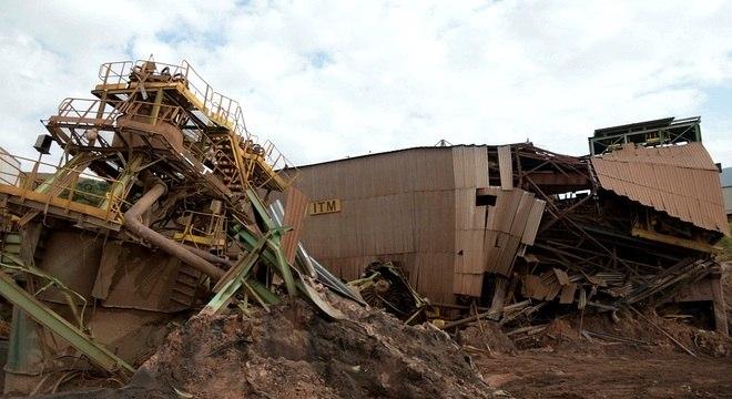 Mineradoras são responsáveis por contratar fiscalização de barragens