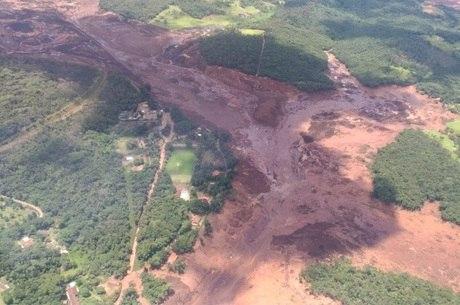 Barragem se rompeu na tarde desta sexta (25)