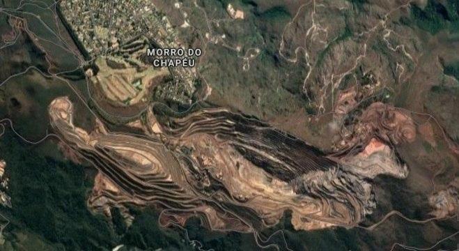 Barragem fica em região de condomínios na Grande BH