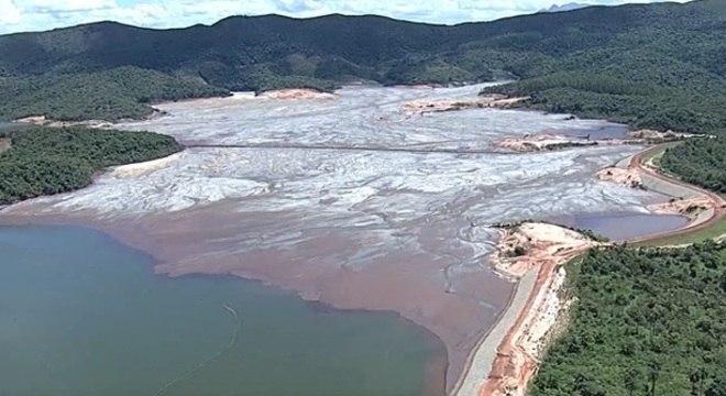 Barragem tem 25 milhões de m³ de rejeito, o dobro da de Brumadinho