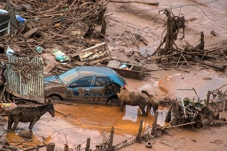 Tragédia destruiu distritos e deixou 19 mortos