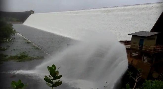 Barragem se rompeu nesta quinta-feira (11), no interior da Bahia