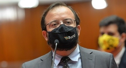 Bartô nega irregularidades