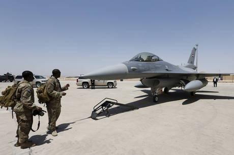 Foguete caiu perto de base militar americana no Iraque