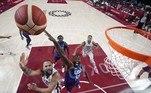 Em jogo com emoção até o fim, o favorito time dos Estados Unidos perdeu para a França, na manhã deste domingo (25), na estreia do basquete nos Jogos Olímpicos Tóquio 2020
