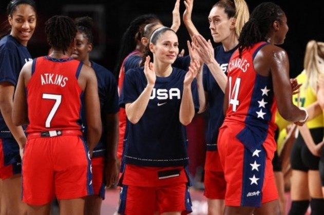Basquete feminino: às 1h40, os Estados Unidos encaram a Sérvia, pela semifinal. A outra semi será às 8h, entre Japão e França.