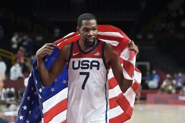 BASQUETE MASCULINO - Kevin Durant fez história em Tóquio. Além de se tornar o maior cestinha da história dos Estados Unidos em Olimpíadas, o ala se tornou o maior campeão olímpico do país na modalidade com três medalhas de ouro (empatado com Carmelo Anthony).