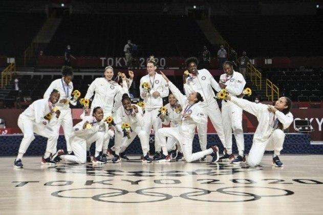 BASQUETE - O Estados Unidos segue no topo do basquete feminino. A seleção americana derrotou o Japão por 90 a 75 e conquistou a sétima medalha de ouro consecutiva.