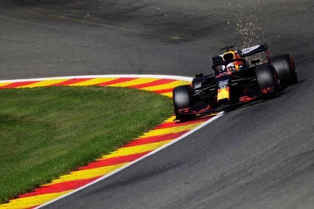 Bastante colado em Valtteri Bottas, Max Verstappen abre a terceira fila em Spa-Francorchamps (Foto: Getty Images/Red Bull Content Pool)
