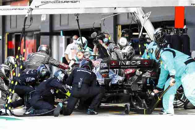 Batalha nos boxes marcou o GP dos 70 Anos