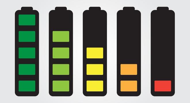 Manter a bateria do celular sempre carregada é visto como algo positivo