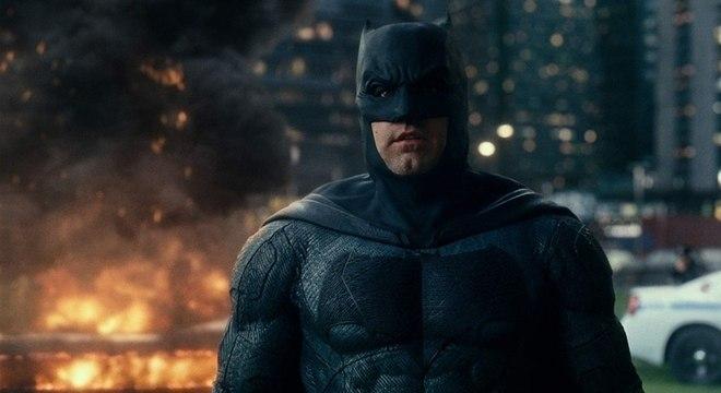 Ben Affleck vai voltar a usar o uniforme do Batman novamente