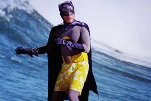 Adam West, Batman(1966): o ator trouxe grande personalidade e marcou a história do super-herói após interpretá-lo em 120 episódios