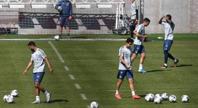 O Bayern já está treinando, com restrições,  há um mês. Times prontos para  jogar