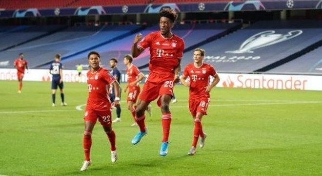 A celebração do gol e do título