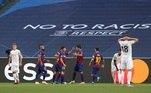 Três minutos depois,Alaba marcou contra e deu o empate para o Barcelona