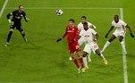 Pela 10ª rodada do Campeonato Alemão, o Bayern de Munique empatou com o RB Leipzig por 3 a 3. Jamal Musiala e Thomas Muller, duas vezes, marcaram para o Bayern. O Leipzig contou com gols de Nkunku, Justin Kluivert e Emil Forsberg