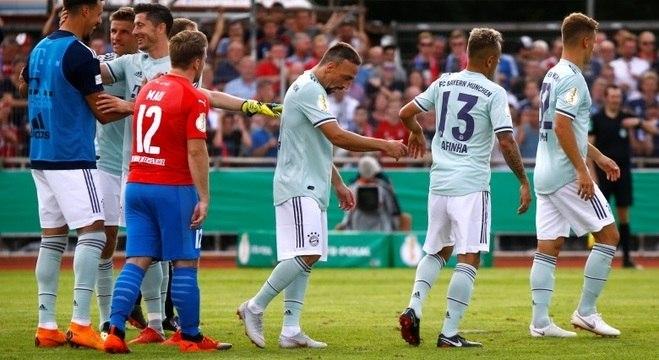 04076a3876 Bayern bate time da 4ª divisão e avança na Copa da Alemanha ...