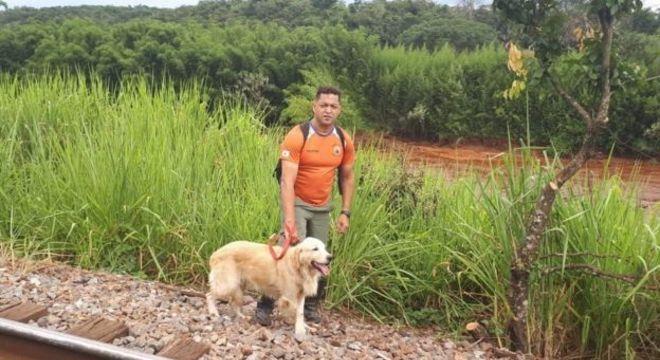 Denis Valério, que também atuou como voluntário na tragédia de Mariana, ajudou a retirar a população ribeirinha das áreas de risco