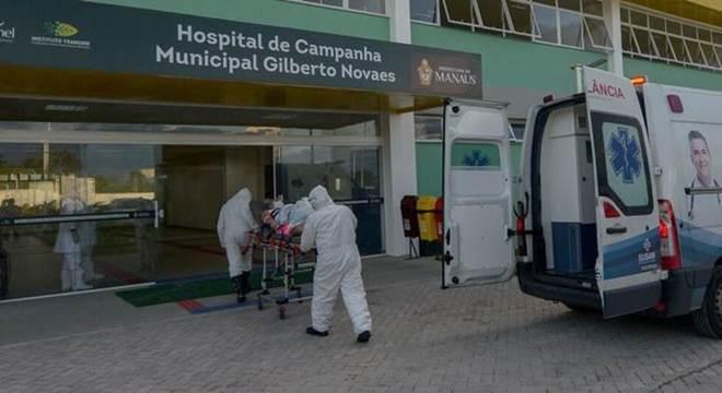 Hospital de campanha em Manaus; pandemia tem impedido que parentes visitem seus entes queridos e se despeçam deles