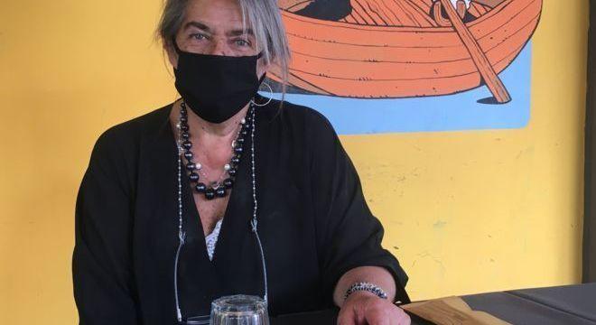 Em Roma, Tiziana Castelani prepara-se para a reabertura de seu restaurante Capra e Cavoli. O local, que contava com 10 empregados antes da epidemia, irá reabrir com menos da metade dos clientes