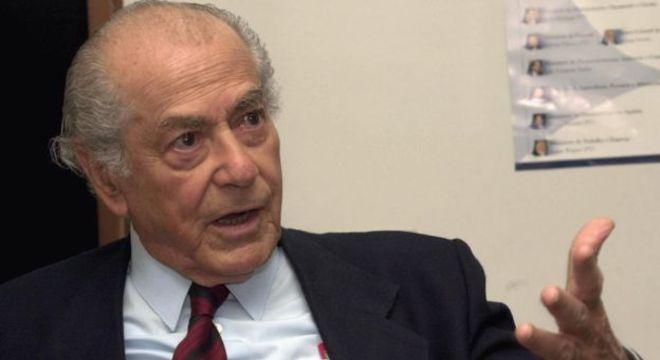 Leonel Brizola (acima, em imagem de 2003) tentou resgatar os princípios do PTB depois do fim da ditadura, mas acabou barrado e criou o PDT