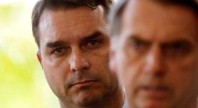 Ex-assessor de Flávio Bolsonaro movimentou R$ 1,2 milhão em um ano, segundo relatório