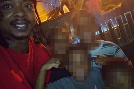 Blake foi baleado por policiais na frente dos filhos
