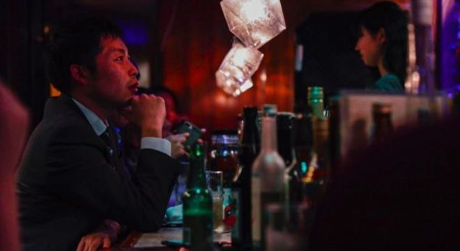'Não temos muito a cultura de fazer as coisas sozinhos', diz Kai Sugiyama, cliente do Bar Hitori