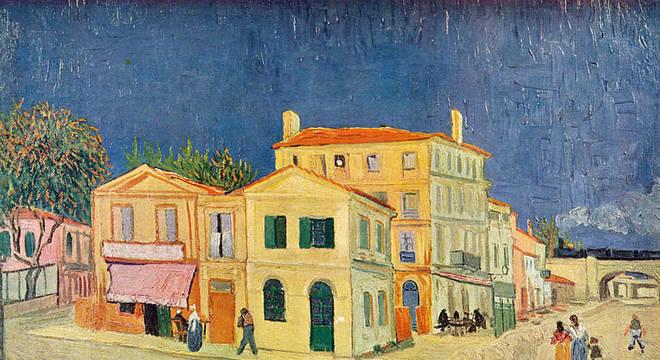 Em Arles, Van Gogh morava nesta casa amarela com janela verdes, que era tanto residência quanto estúdio