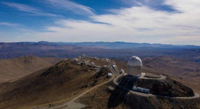 Ambos planetas foram encontrados por um instrumento do Observatório Europeu do Sul (ESO) em La Silla, no Chile