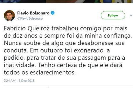 No Twitter, Flávio Bolsonaro falou sobre sua confiança no ex-assessor
