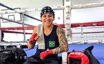 Favorita em sua categoria - Por causa de suas mais recentes lutas e os dois grandes títulos em 2019, a brasileira é a 1ª do ranking até 60Kg e favorita ao ouro olímpico. Um grande detalhe é que ela nunca participou de um evento multiesportivo global, como os Jogos Olímpicos