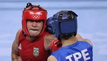 Brasileira favorita ao ouro no boxe vence e vai às quartas em Tóquio