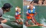 Um bebê com apenas 6 meses de idade se tornou o esquiador aquático mais jovem do mundo. E também dividiu opiniões na internet...Leia mais!Rapaz sorridente com tubarão cravado no braço choca multidão