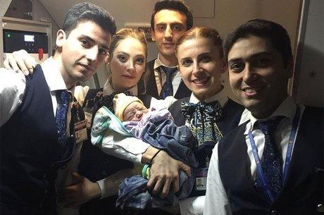 Mãe e bebê foram levados ao hospital