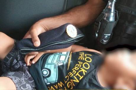 Bebê foi encontrado em um ponto de ônibus de BH