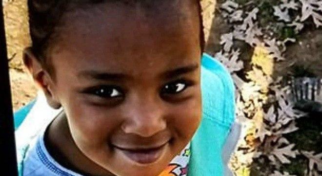 Bebê menina desapareceu do parquinho sem deixar vestígios