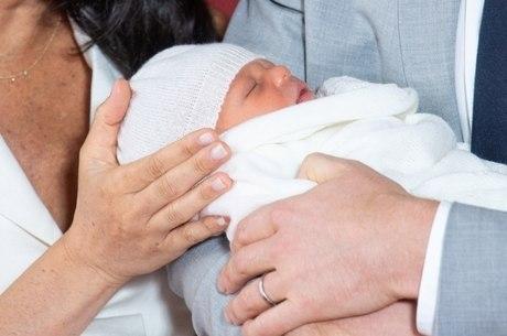 Bebê foi apresentado à imprensa