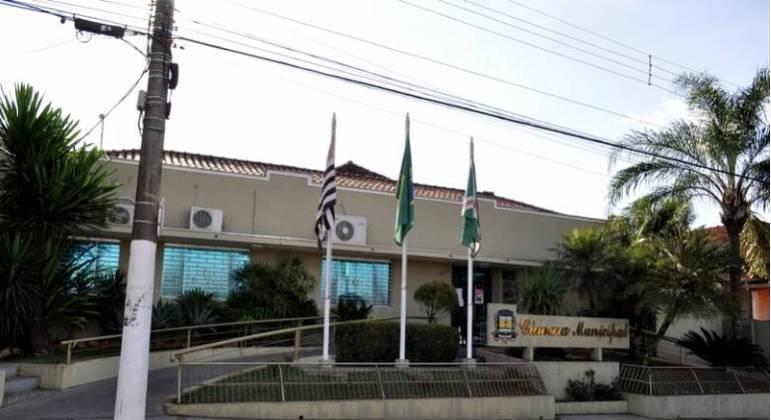 TJ-SP decretou inconstitucional lei municipal de Bebedouro que paga salário-esposa a servidores
