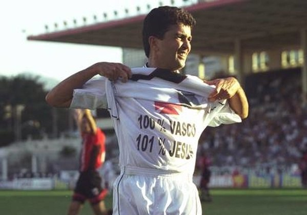 Bebeto (Vasco)Campeão brasileiro com o Vasco em 1989, Bebeto retornou ao clube em 2001, já em fim de carreira. O atacante reeditou a dupla, campeã do mundo com a Seleção em 94, com Romário no ataque.