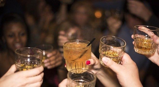 Medida de não proibir consumo e venda de álcool ocorre desde 2008 em SP