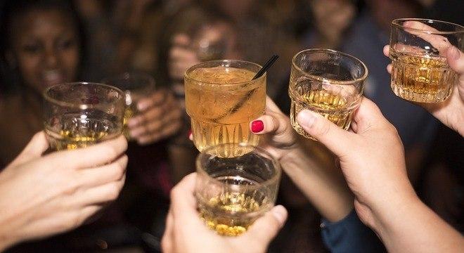 Cerca de 17,9% da população adulta faz uso abusivo de bebida alcoólica no Brasil