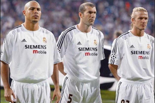 Beckham foi uma das peças finais da equipe que seria conhecida como galácticos. O primeiro a chegar foi o brasileiro Roberto Carlos (1996), depois Figo (2000), Zidane (2001) e Ronaldo (2002). O inglês chegou em 2003 e ficou até 2007 no Real.