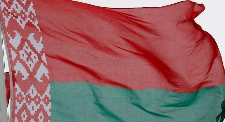 Belarus diz que havia ameaça de bomba em avião e que piloto não foi pressionado a pousar