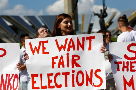 Opositores alegam que eleições não foram justas
