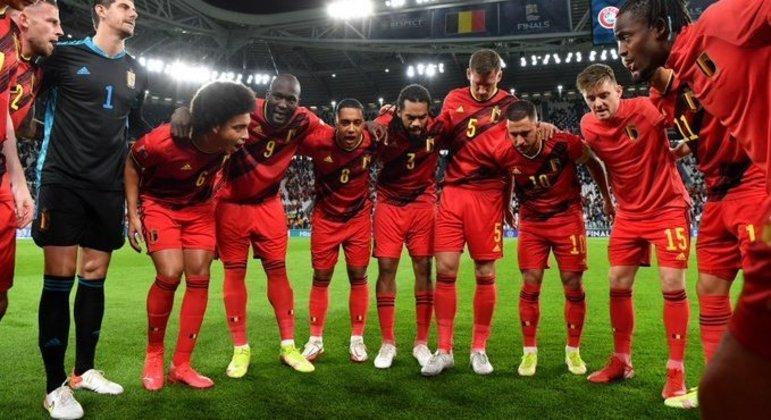 A última concentração do time da Bélgica, antes de o jogo se iniciar